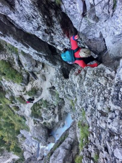 Kleiner Steig zum zweiten Martuljek Wasserfall