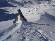 Der Hang unter dem Gipfel war hart und brüchig