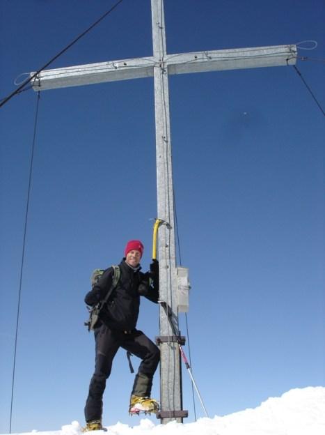 Ich mit Lagaunspitze Gipfelkreuz