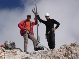 Ich und Rene beim Gipfelkreuz