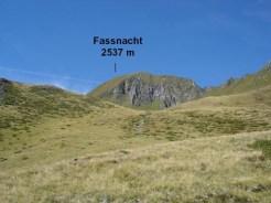 Von hier schaut der Gipfel nicht so steil aus