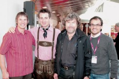Die IMS-Organisatoren mit Top-Bergsteigern nach dem Pressegespräch. Steve House, Alex Ploner, Reinhold Messner und Markus Gaiser (v.l.n.r.)