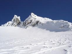 Herrlich Schneeverwehte Gipfelzacken Richtung Gipfel