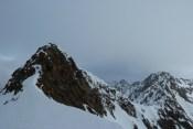 Der kurze Gipfelgrat, rechts das Roteck