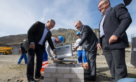 Neue Investoren aktiv in Andermatt: Grundsteinlegung für zweites Hotel und Residenzen