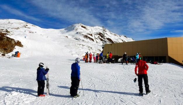 Skifahren vom Oberalppass bis Dieni/Sedrun und am Gemsstock