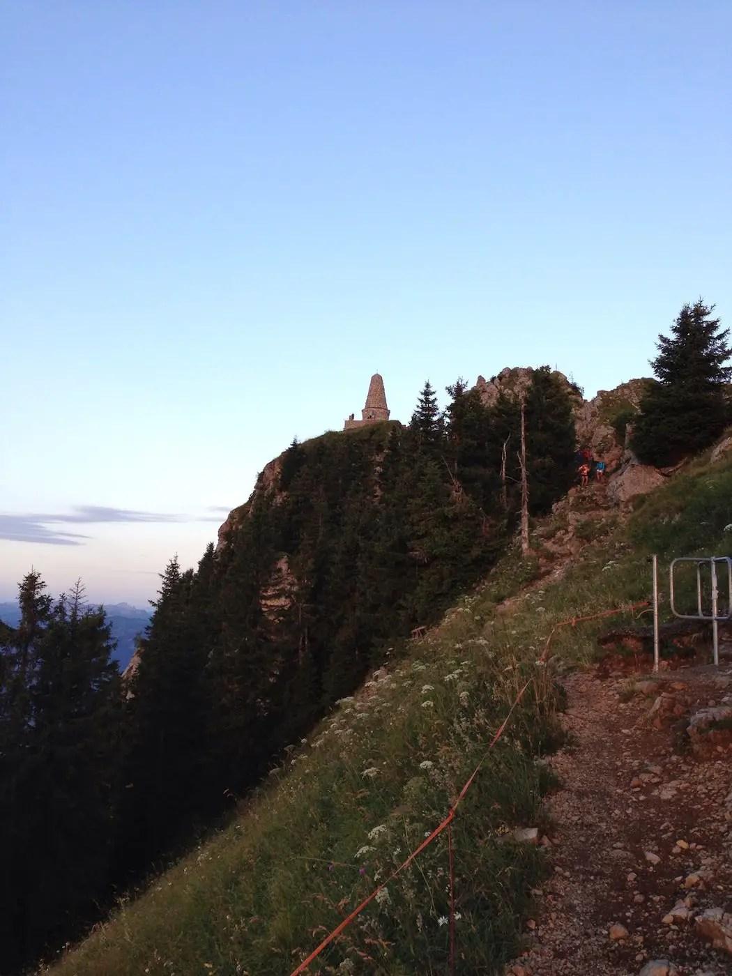 Aufstieg zum Jägerdenkmal