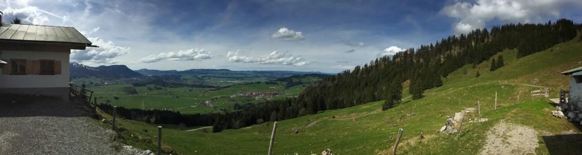 Panoramaaufnahme auf der Alpe Kalköf