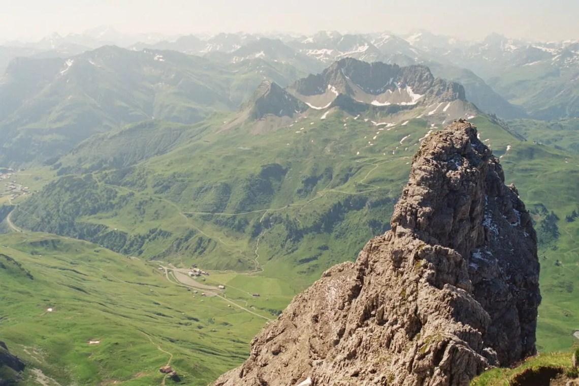 Blick vom Gipfel nach Österreich