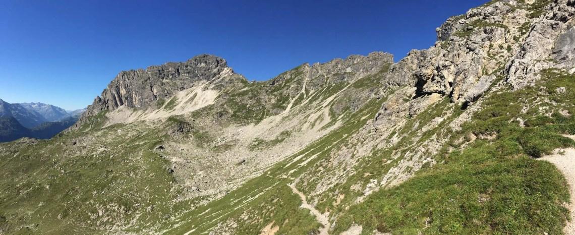 Krumbacher Höhenweg, oben der Mindelheimer Klettersteig