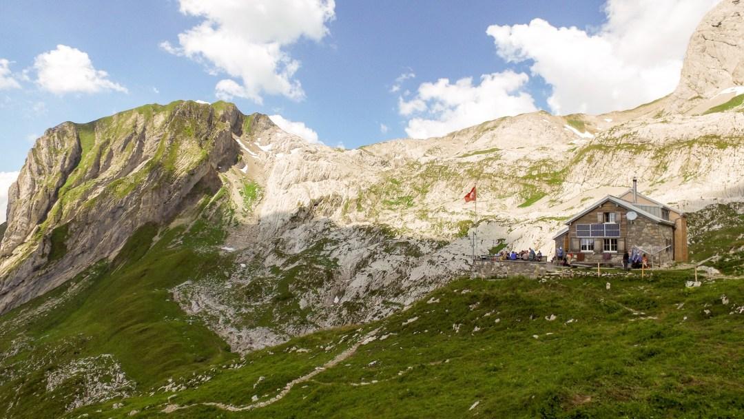 Die Zwinglipasshütte im Alpstein