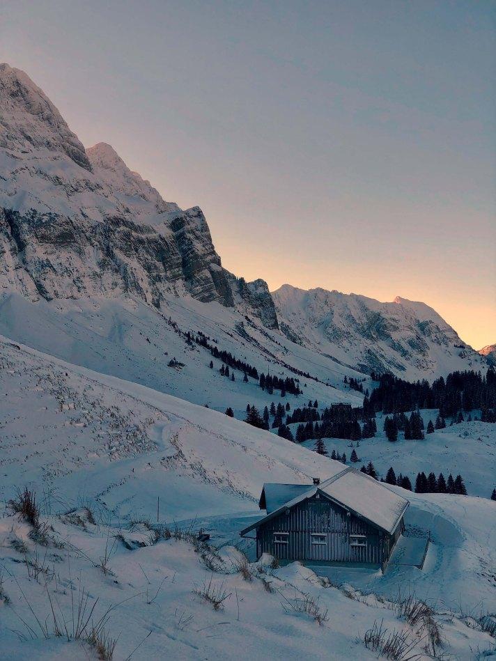 Winterliche Morgendämmerung im Alpstein