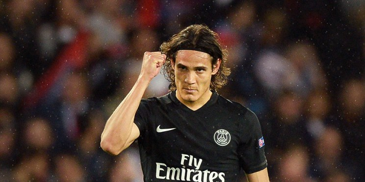 Paris Saint-Germain's Uruguayan forward Edinson Cavani celebrates after scoring a goal during the UEFA Champions League group A football match between Paris and Malmo on September 15, 2015 at the Parc des Princes stadium in Paris. AFP PHOTO / JEAN-SEBASTIEN EVRARD
