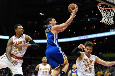 Pemain Golden State Warriors Melawan Atlanta Hawks DI Phillips Arena