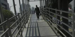 Mahasiswa UMI Makassar Butuh Jembatan Penyeberangan