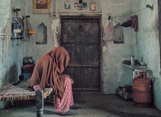 Rumah Tua dan Seorang Janda Yang Ditinggal Suaminya