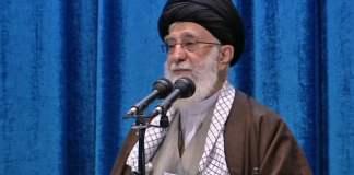 Ayatollah Ali Khamaeni saat Khotbah