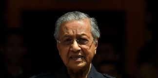 Tidak Terima, Mahathir Bawa 114 Dukungan Parlemen Untuk Menjadi PM Kembali