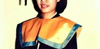 Foto Wisuda Sri Mulyani