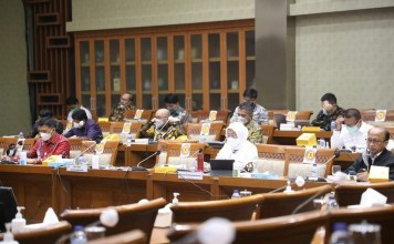 Menaker bersama komisi IX DPR RI