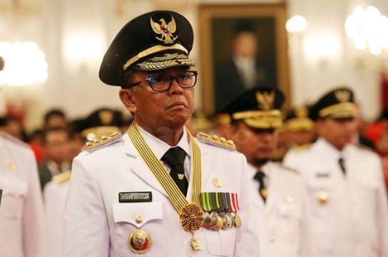 Gubernur Bali I Wayan Koster saat di lantik Presiden Jokowi.