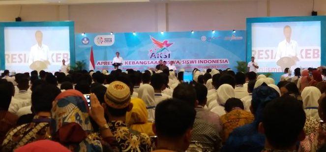 Jokowi buka forum pelajar di Bogor.
