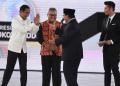 Jokowi dan Prabowo usai debat Capres.