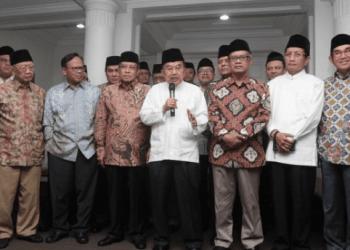 Jusuf Kalla silaturahim dengan pimpinan organisasi Islam dan tokoh masyarakat di rumah dinasnya, Jakarta, Senin (22/4/2019).