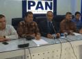 Wakil Ketua Umum Partai Amanat Nasional Bara Hasibuan (paling kiri) dan sejumlah pimpinan PAN.