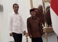 Presiden Joko Widodo (Jokowi) menerima kedatangan Presiden ketiga RI B. J. Habibie di Istana Merdeka, Jakarta.