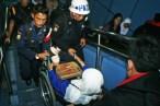 Petugas di lingkungan stasiun kereta dituntut untuk dapat lebih sigap dalam melayani. ( Tajuk.co / Aljon Ali Sagara )