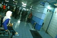 Fasilitas toilet yang belum memfasilitasi penyandang kursi roda. ( Tajuk.co / Aljon Ali Sagara )
