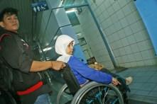 Area lintasan toilet yang masih terhalang yang seharusnya dibuat landai bagi kursi roda. ( Tajuk.co / Aljon Ali Sagara )