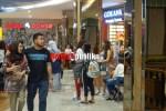 Suasana Pengunjung di Transpark Mall Juanda Kota Bekasi.