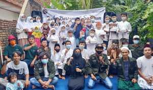 Forum Jurnalis Bekasi Gandeng KPA Cempala Helat Santunan Anak Yatim dan Jompo Ditengah Pandemi Covid-19, Minggu, (2/5).
