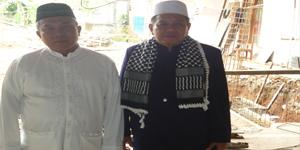 Panitia PHBI dan DKM Masjid Al Mubarok H. Marhali (Foto: Putra)