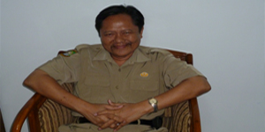 Drs. Arbani Kepala Sekolah SMAN 12 Kota Tangerang