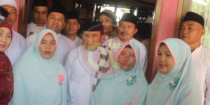 Walikota Tangerang Beserta Jajaran, H Rhoma Irama, Sekcam Larangan, Lurah dan Tokoh Masyarakat saat Peresmian Masjid