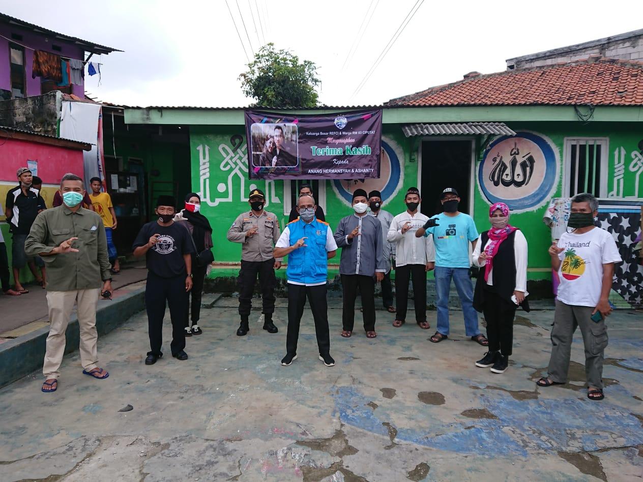 Mendapat Bantuan 200 Paket Sembako dari Artis Anang ...