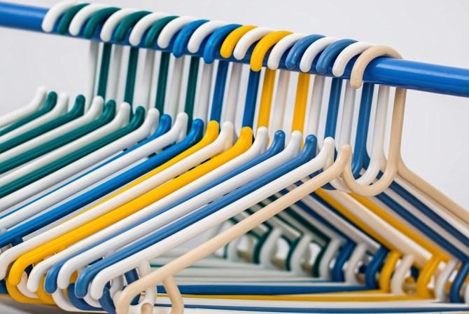 cara merapihkan baju tanpa disetrika