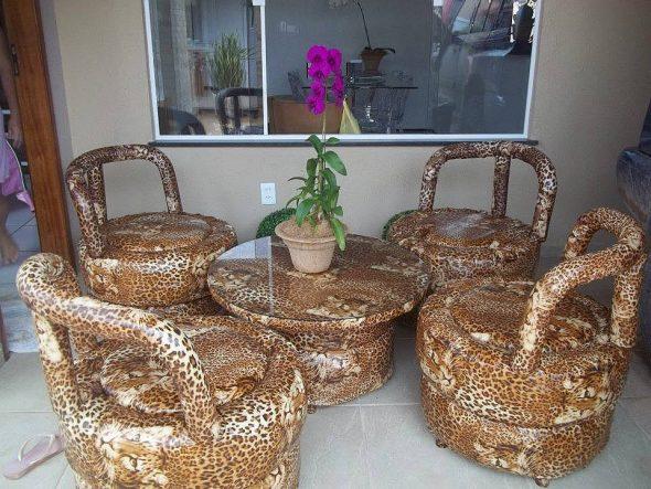 стол и стулья из покрышек