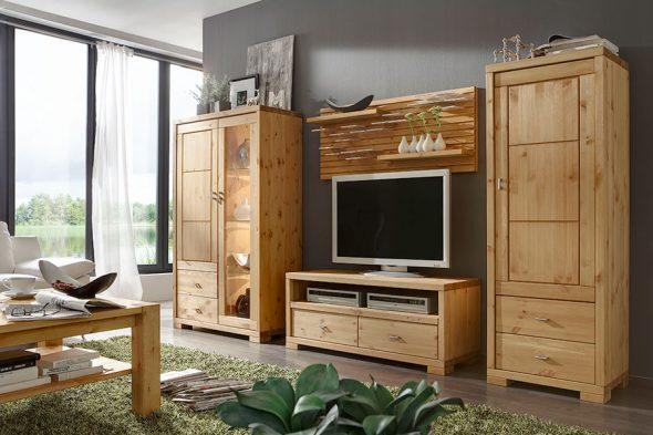 Gabinete hecho de matriz de madera con sus propias manos.