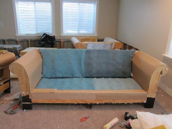 разбираем диван