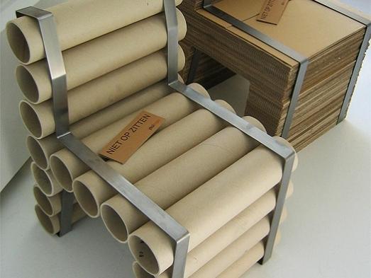 Стульчик из картонных бобин