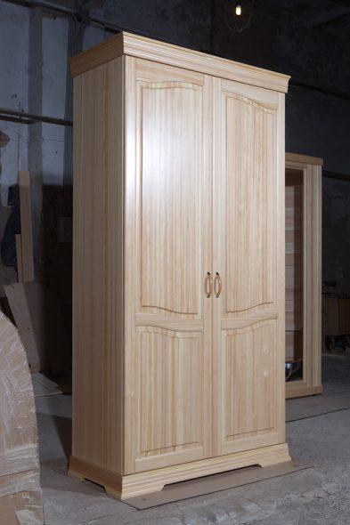 Шкафчик из массива кедра