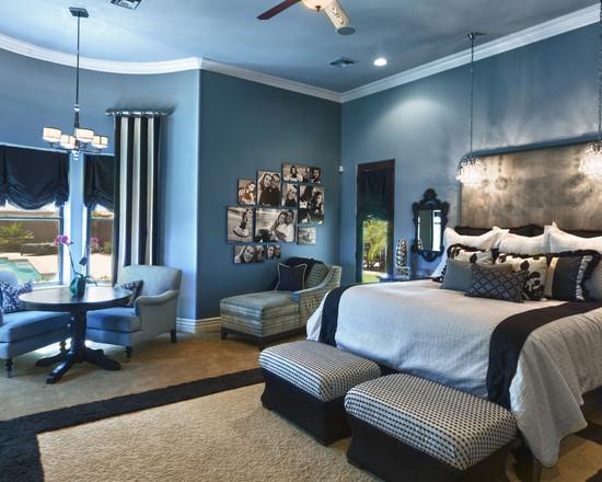 Мебель в просторной спальне