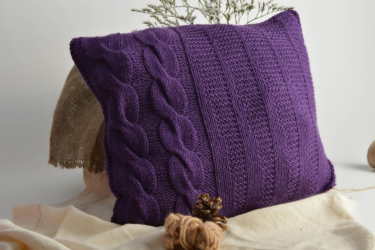 Cuscini Per Divani Ai Ferri cuscini rotondi a maglia con ferri da maglia. cuscini all