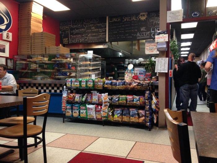 mama-s-pizza-order-counter