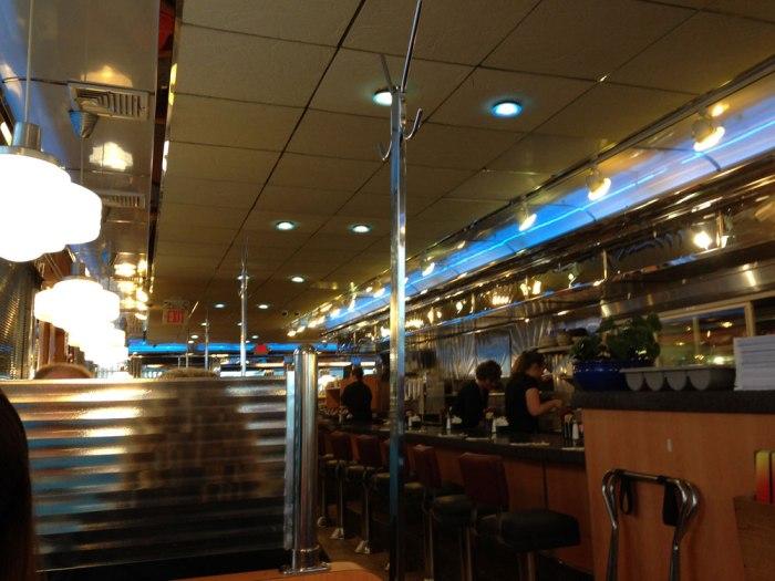 5th-street-diner-interior