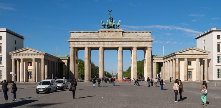 Afbeeldingsresultaat voor Brandenburger Tor & Unter den Linden